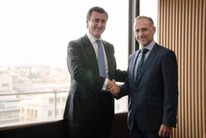 Lee más sobre el artículo «ArmanexT y Grant Thornton se alían para facilitar la incorporación de compañías españolas a cotizar en Bolsas europeas»